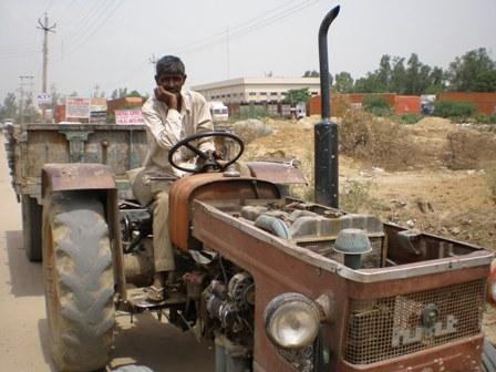 tractor12.jpg